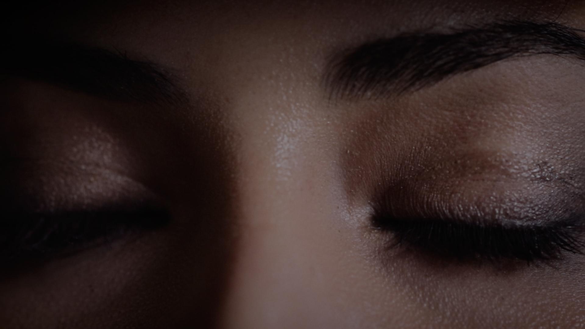 geschlossene Augenlieder