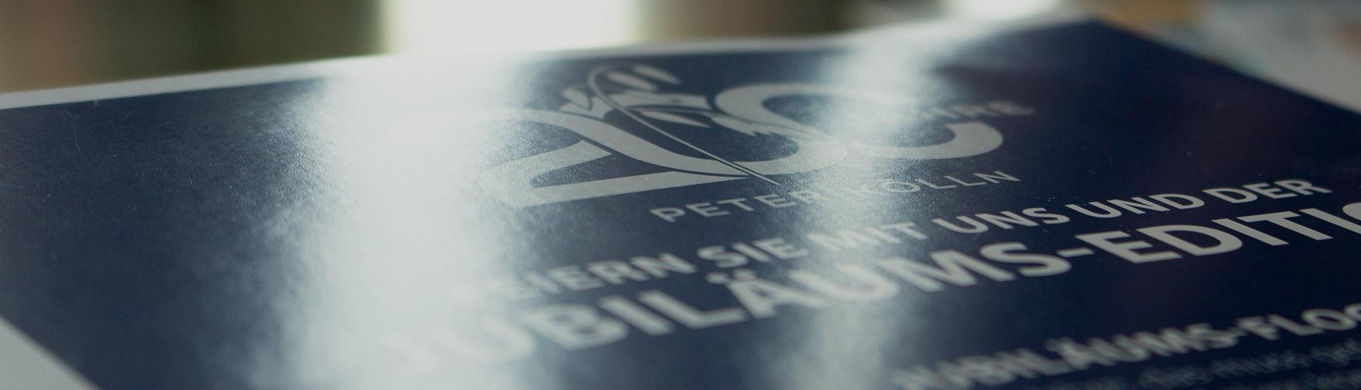 200 Jahre Peter Kölln Broschüre mit Lichtspiegelungen